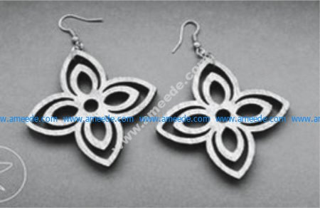earrings with four-pointed flower shape
