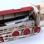 train-shaped wine box