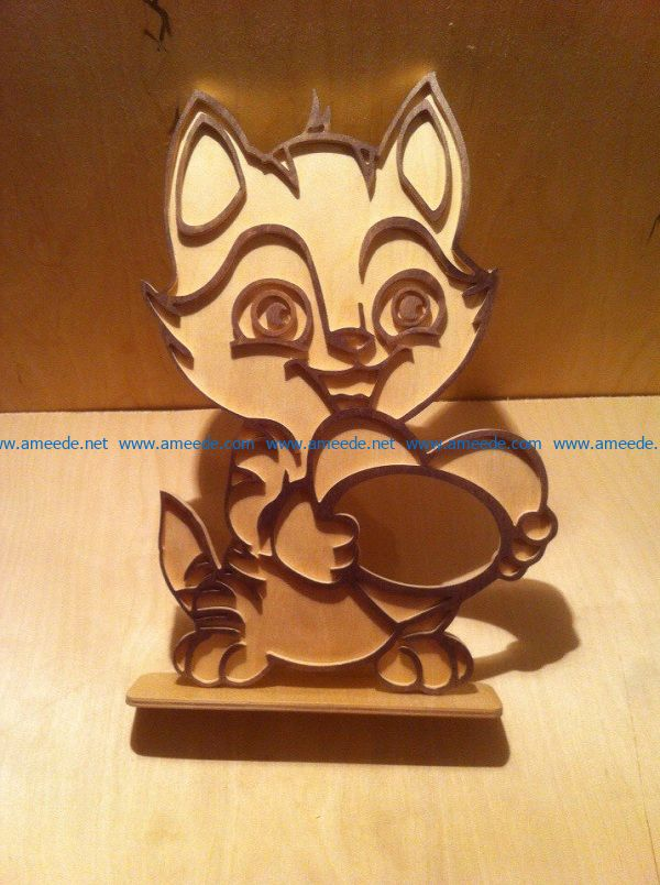 the squirrel holds the chestnut file cdr and dxf free vector download for Laser cut